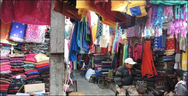 Chowk Bazaar aka Lower Bazaar is the most resonably priced market for shopping woolen items