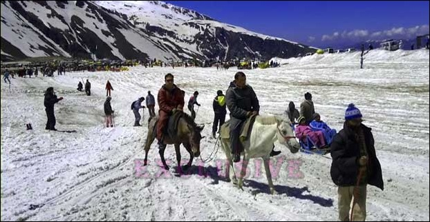 Rohtang Pass Snow Point