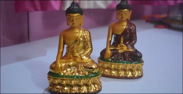 You will find plenty of Lord Buddha idols selling in souvenir shops of Sikkim