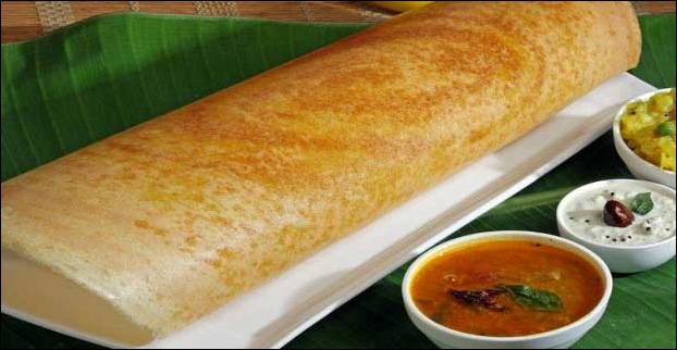 Dosa is another popular food of Mumbai which originates from South India