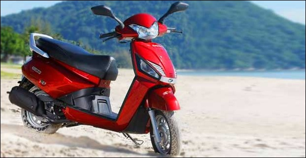 Cubbyhole storage & height adjustable seat makes Mahindra Gusto a cool bike for women in India