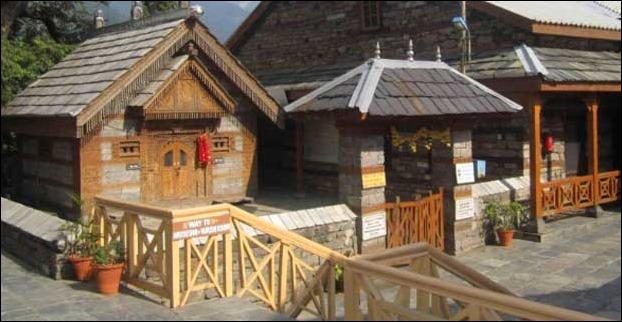 The Jagg Patt Temple inside Naggar Castle has a stone which is believed to have setup by deities