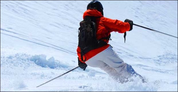 Skiing is a popular adventure sport in Solang valley of Manali