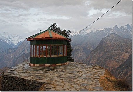 Auli  is a beautiful tourist destination  in winter in India.