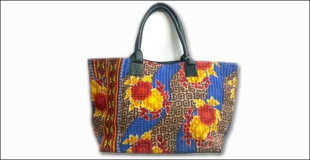 With a Sari pattern, a colourful tote bag , can give you a glamorous and traditional look