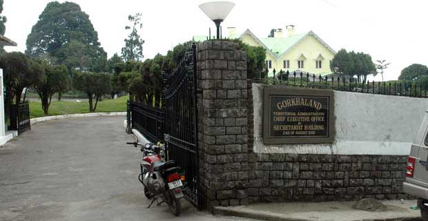 Way to Lalkothi in Darjeeling