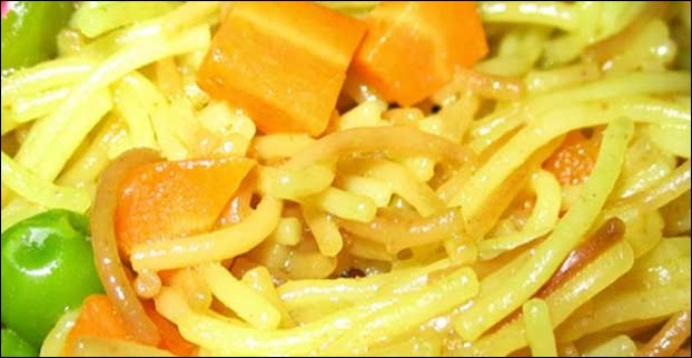Sevai Noodles mixed with carrots and capsicum is also a good option