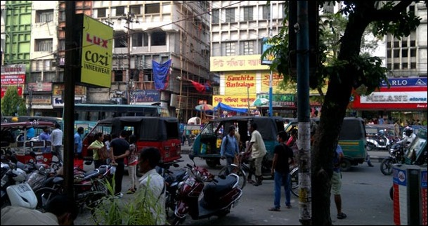 You can enter into this market from the lane between Sanchita Bastralaya and Swastika Dresses